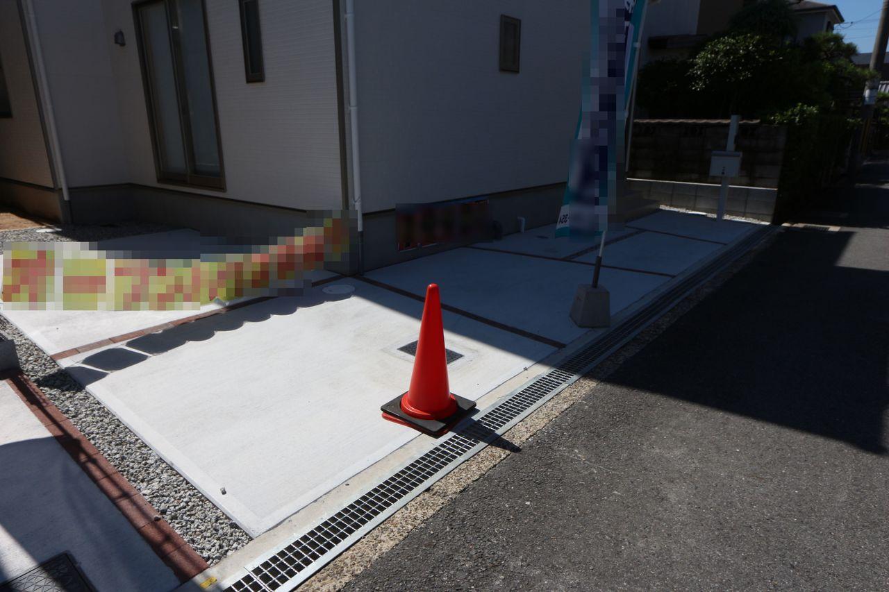 駐車スペースは2台分を確保しました。
