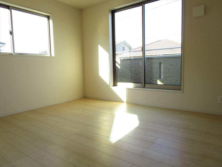 2階7帖。寝室や子ども部屋など、用途に合わせてご利用の幅は無限大♪