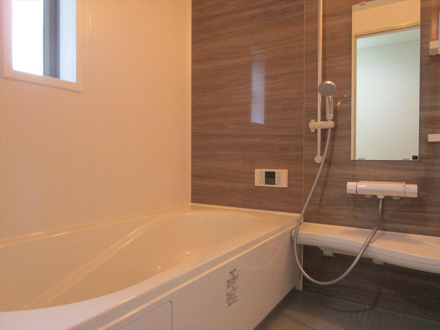 日頃の疲れを癒す浴室!ゆったりとしたバスタイムを・・