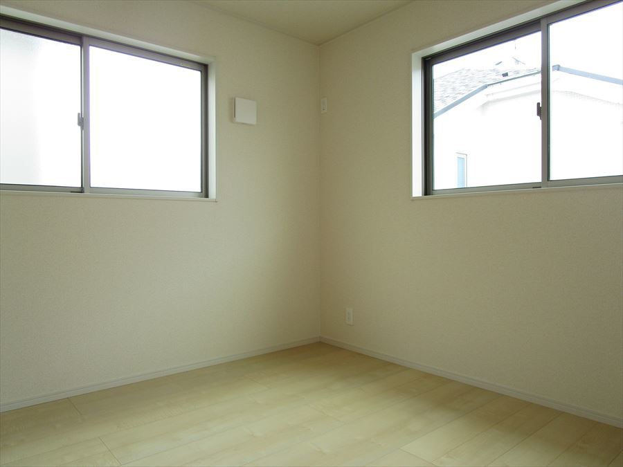 2階4.5帖。2階に4部屋ありますので、1人1人の空間がしっかり確保できますね♪