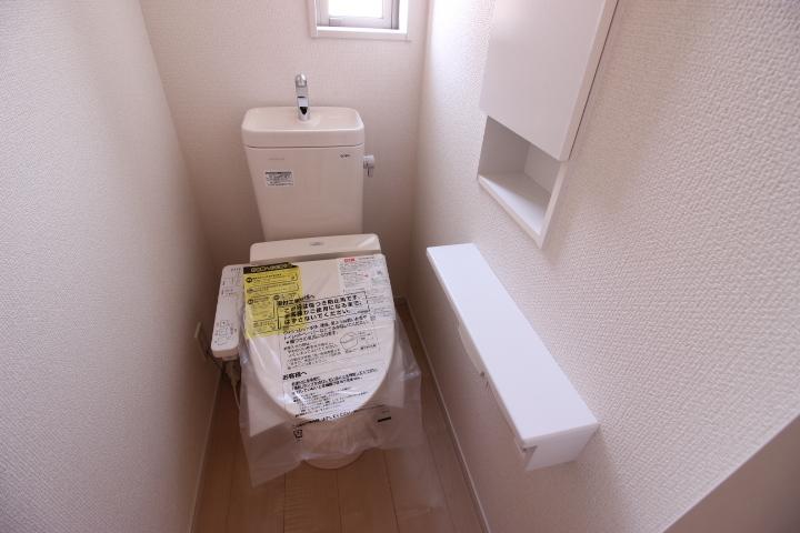 2F トイレ 1階と2階にトイレがあるのが便利なポイントです