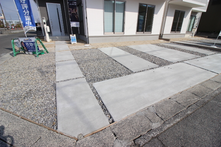並列3台駐車可能なゆとりのカースペース