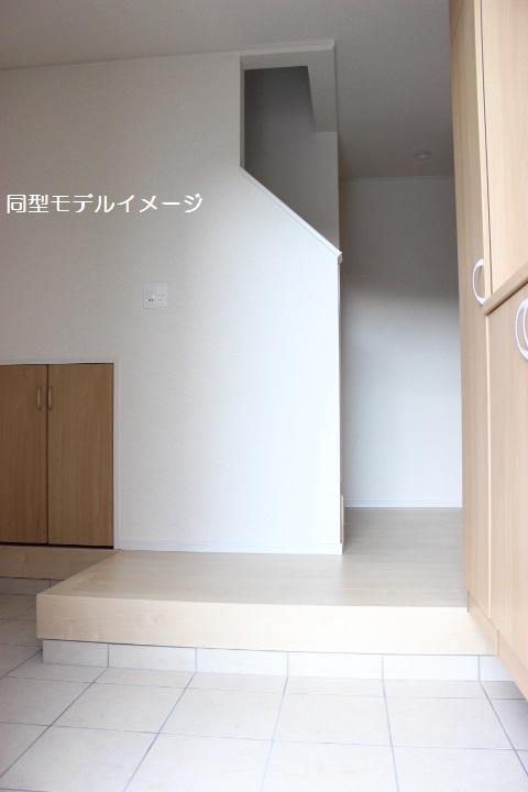 同型イメージ ゆったりとした玄関
