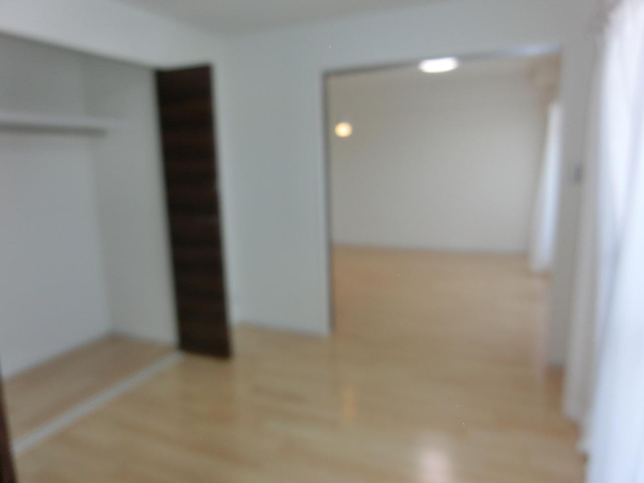 リビング横の洋室です(^_-)-☆ 和室を洋室へリフォームしました(^^)/