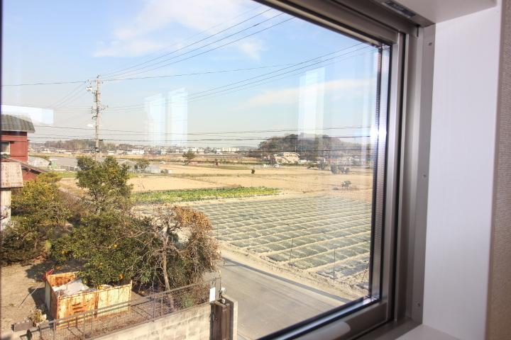 2階窓からの眺望です。