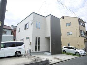 【外観写真】 築年数の浅いスタイリッシュな外観の長期優良住宅です♪