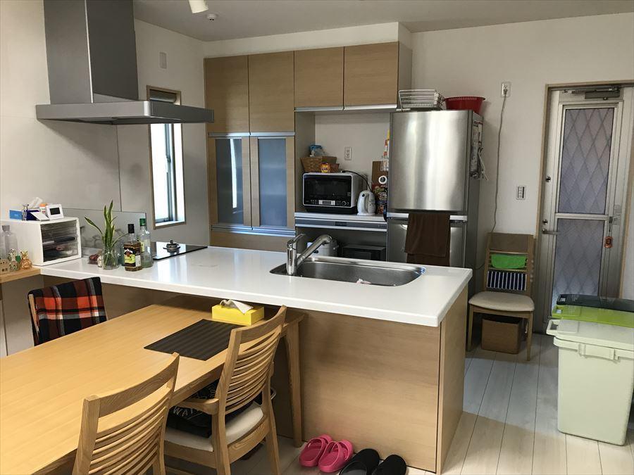 キッチンからリビングへの視界を妨げる壁がないので、開放感のある中でお料理ができます!