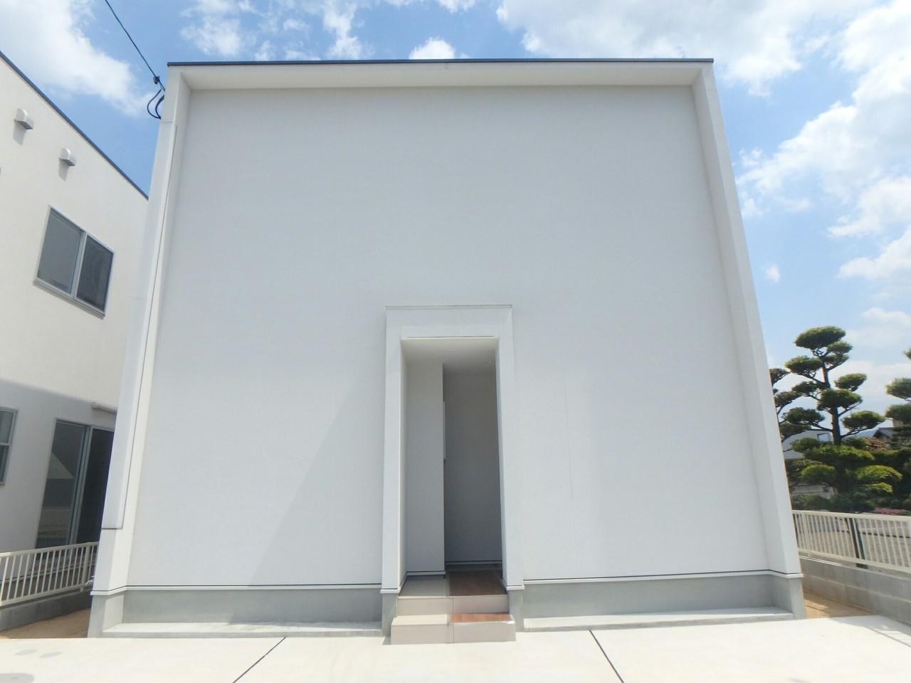 シンプルな外観のデザイナーズ住宅はとってもお勧めです! 平成30年1月に完成!