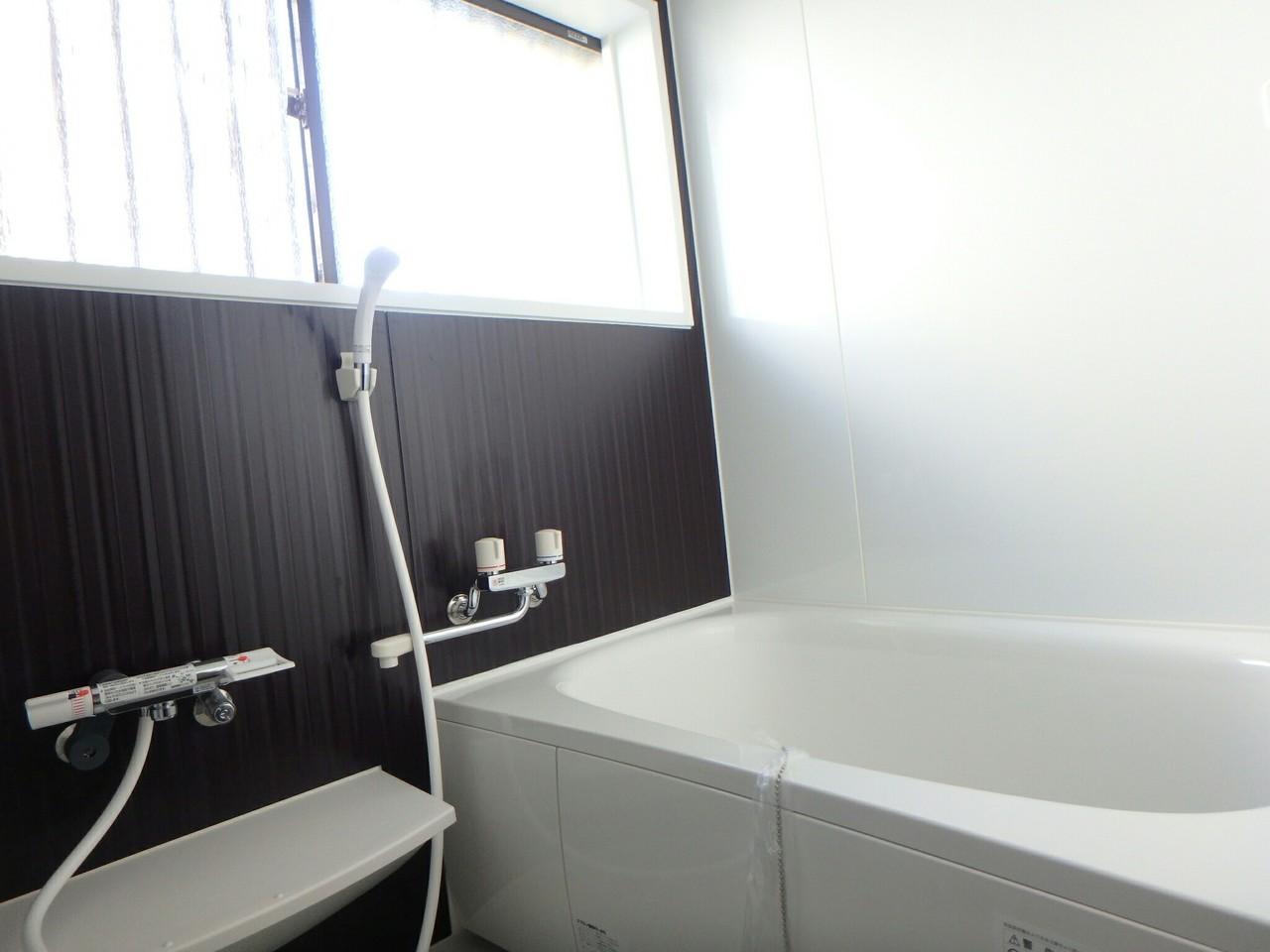リフォームし、新しい浴室になっています。 足を伸ばして入ると気持ちがいいですよ。
