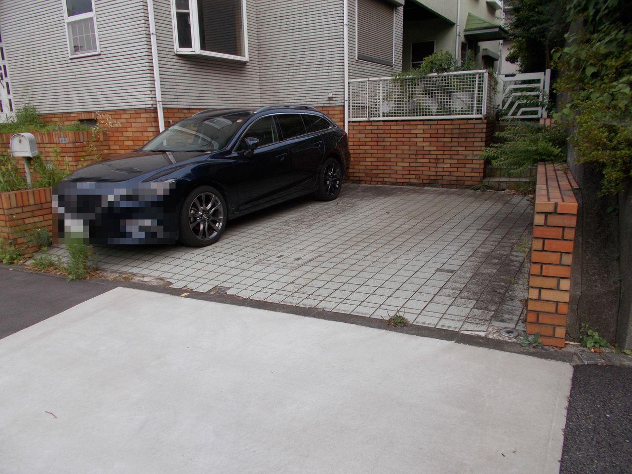 普通車2台駐車可能