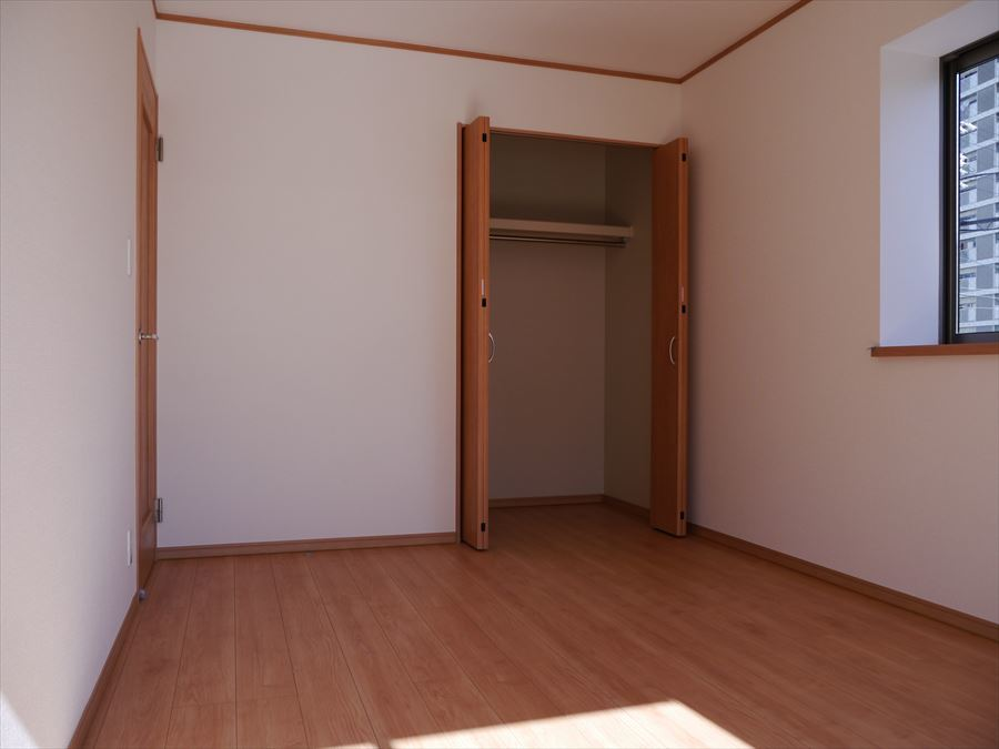全居室に収納完備。横の空間・縦の空間を上手に利用すればたくさん収納できて、いつでも住空間がスッキリします!