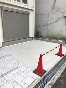 駐車スペース(バイク置場・駐輪場としても利用可能です。)
