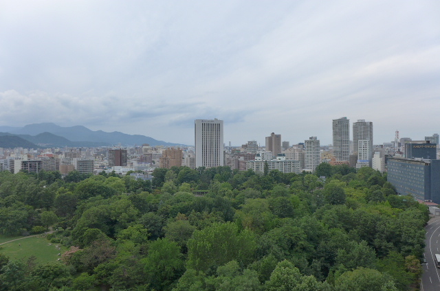 ザ・タワー中島公園ラピスライオンズスクエア 札幌市中央区南十二条西1丁目の中古マンションです。