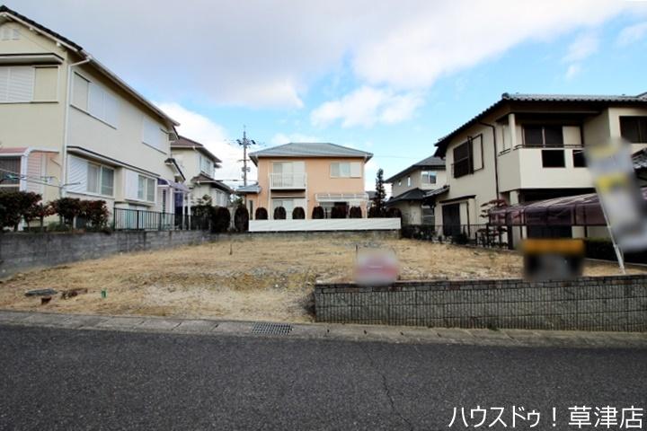 青山小学校まで徒歩10分(約770m)