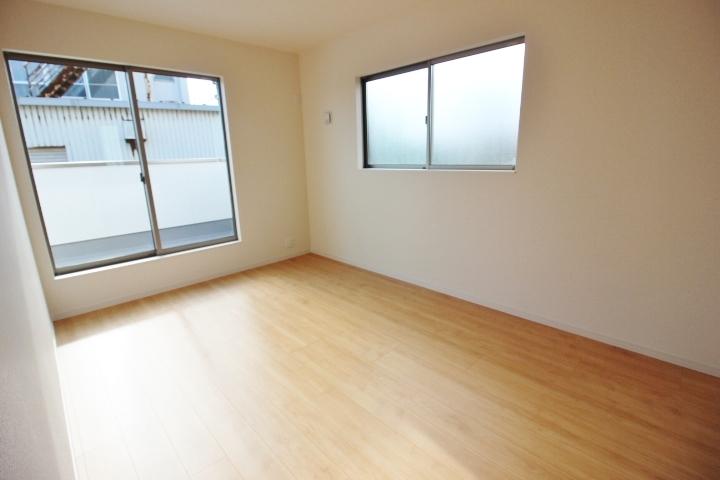 6.1帖洋室 全居室南向き。 温かく、明るく過ごせます。