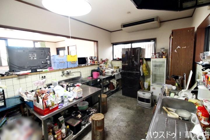 調理スペースがたくさんあります。店舗としての利用も、普段のお料理にも重宝しそうですね♪
