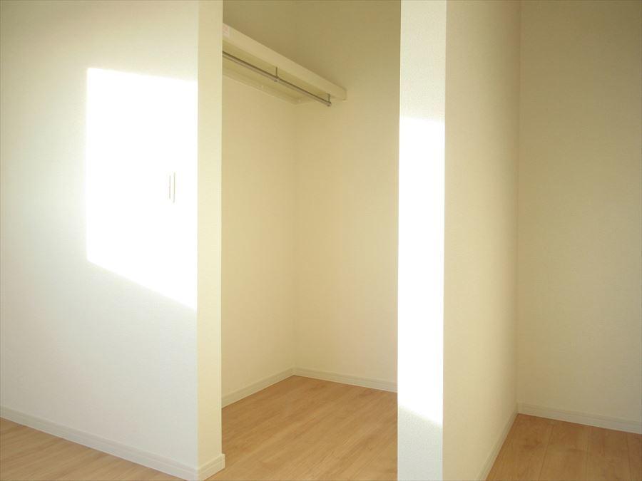 2階全居室にウォークインクローゼット付き!嬉しい設備です(^^)お部屋を綺麗に保てます◎