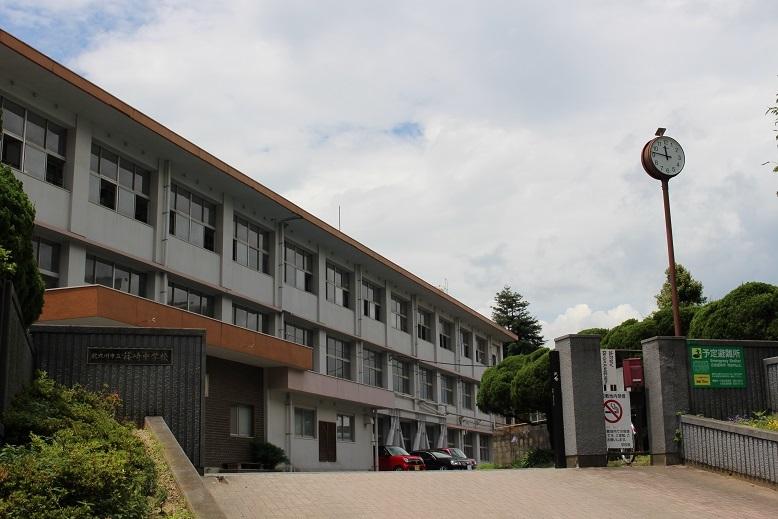 篠崎中学校 昭和22年創立 平成29年度スローガン「あいさつ・思いやり・努力」
