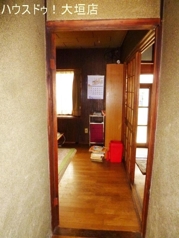 一階には洋室があるので、リビングや客間に。