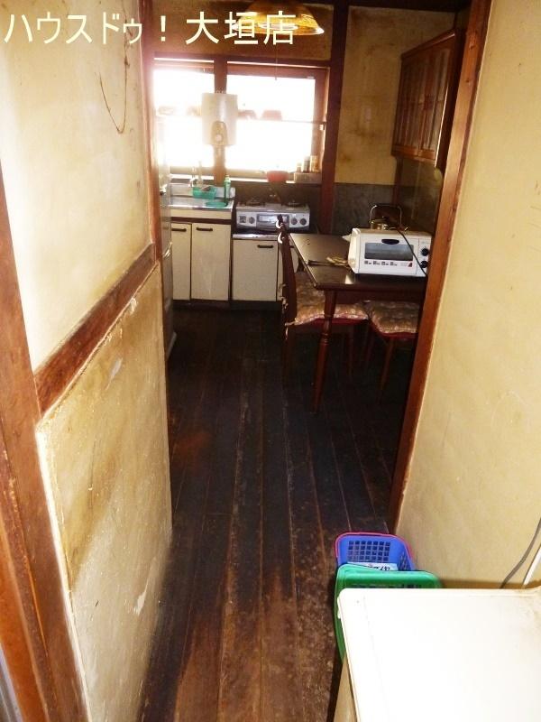 部屋がつながった続間設計でコンパクトな生活動線です。