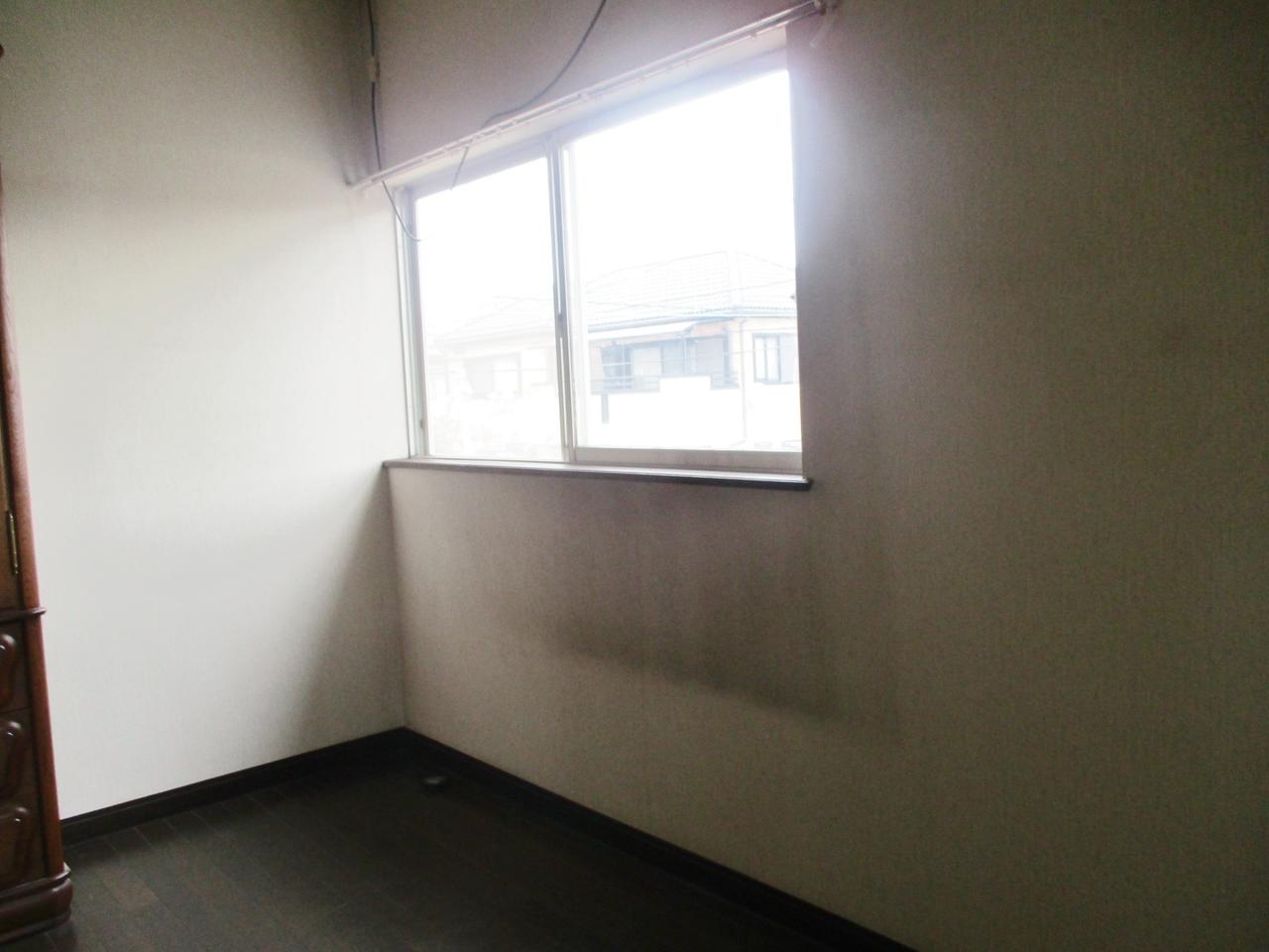 2階 北東側洋室