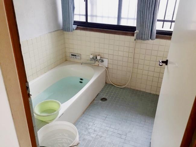 1坪サイズのお風呂。ゆっくり足が伸ばせます♪