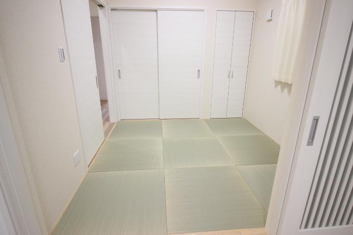 琉球畳がおしゃれな4.5帖の和室