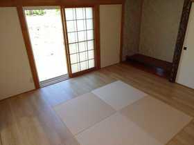 千歳市桂木の中古住宅、リフォーム済みです(平成29年10月)。洋風和室にリフォーム。