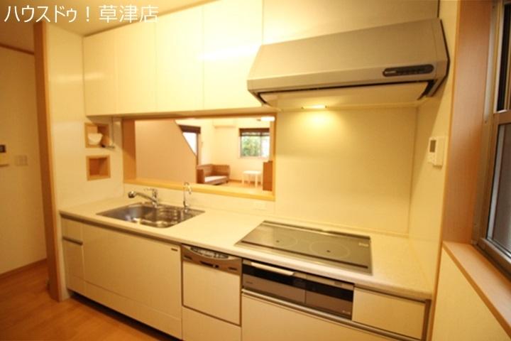 食器洗浄乾燥機付きなので食事の後片付けも楽々です。乾燥できるので衛生面でも安心ですね。