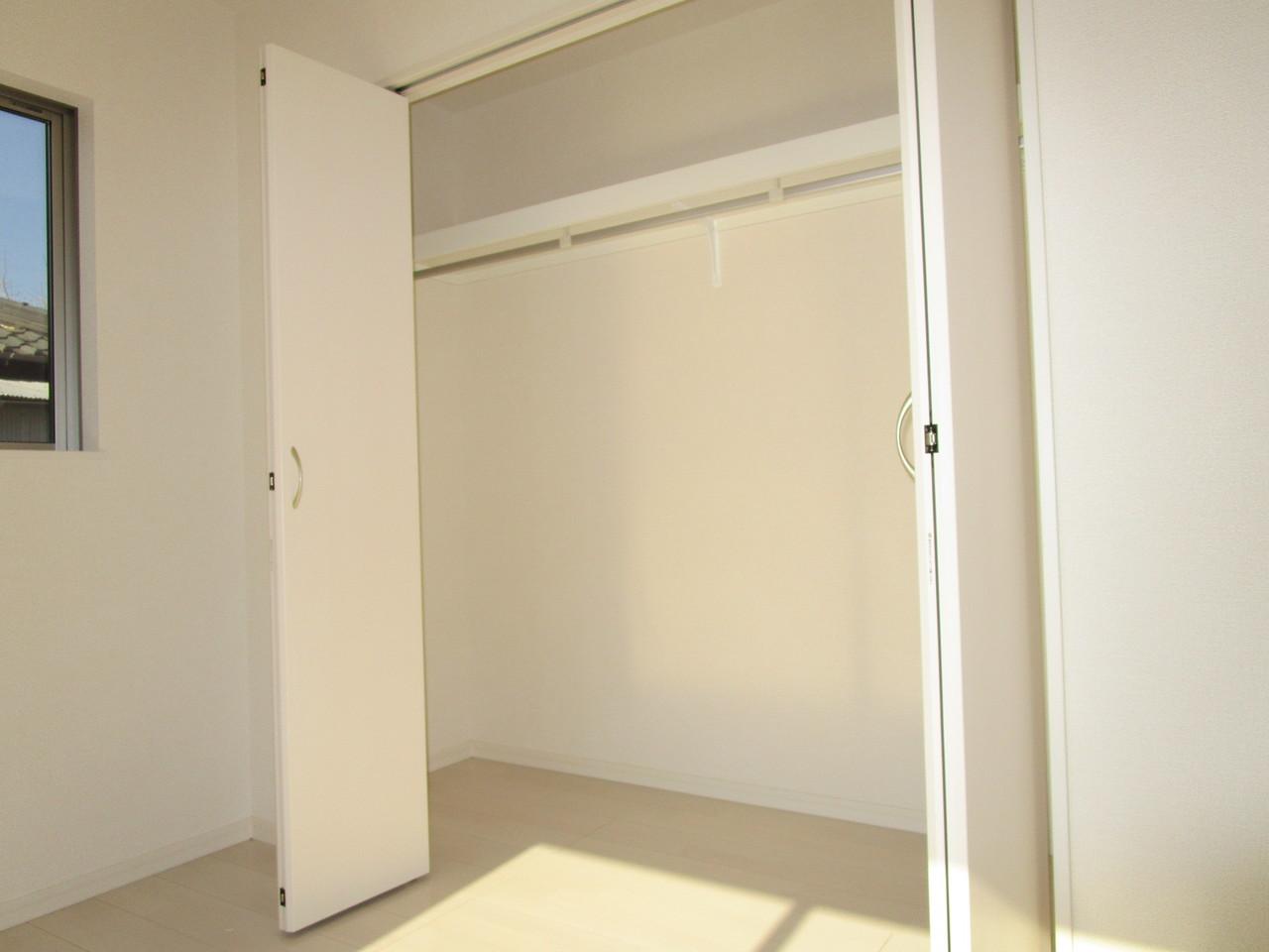 洋室1F収納はたっぷり収納できます