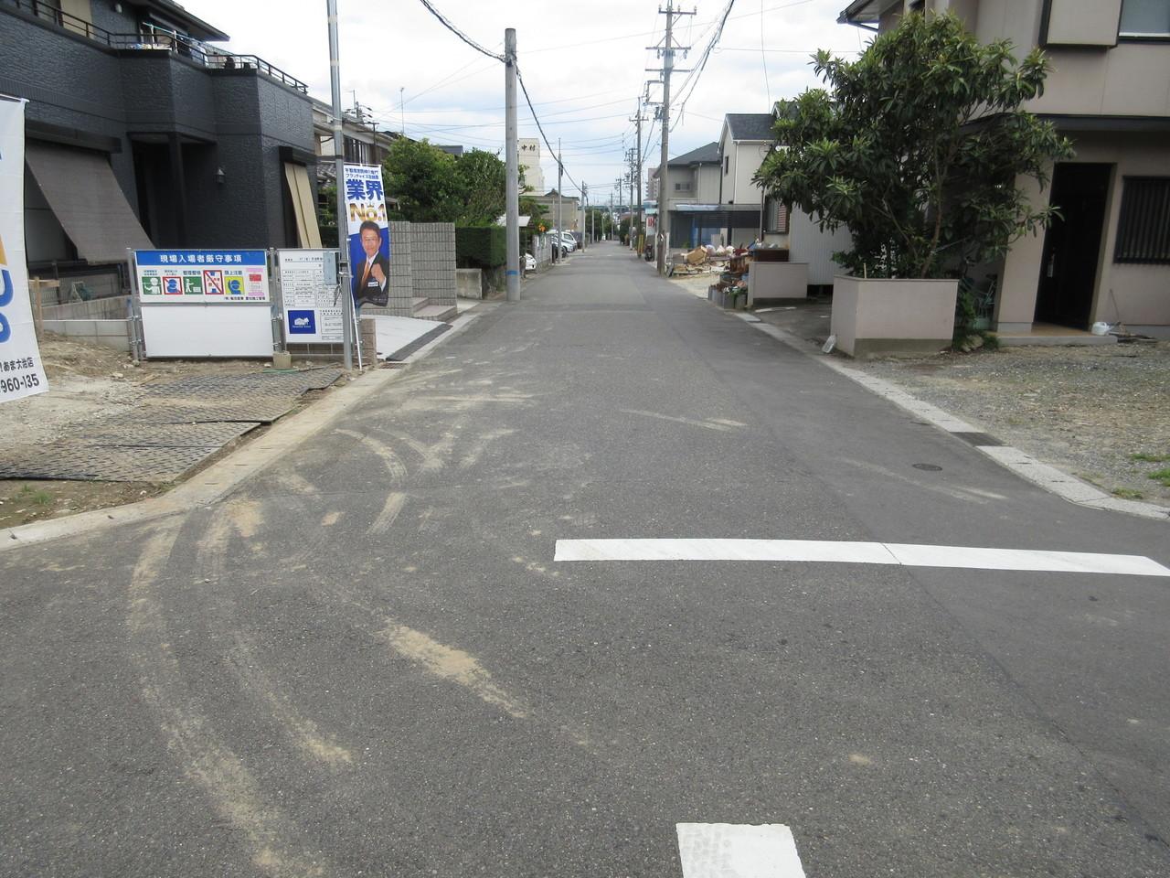 南側道路。