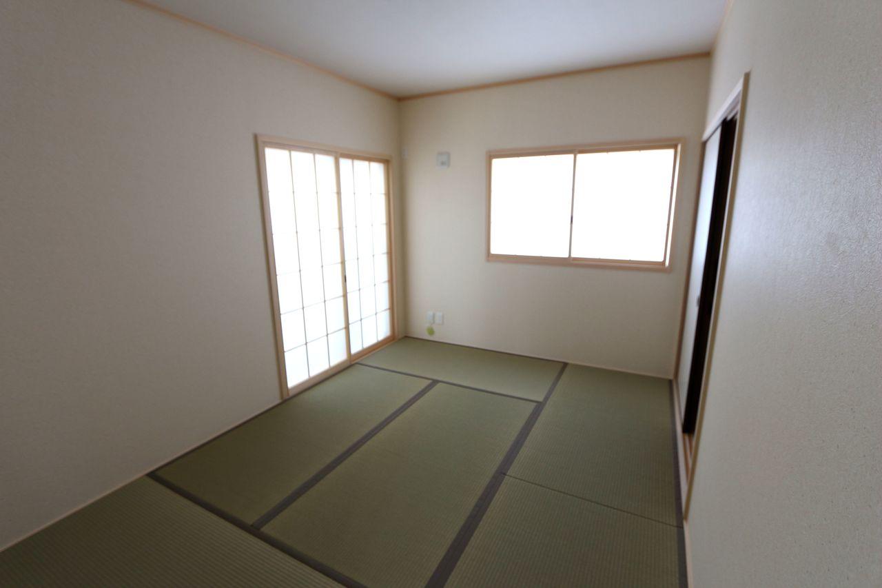 押入れがあり、寝室や客間として 大変便利にご利用頂けます。