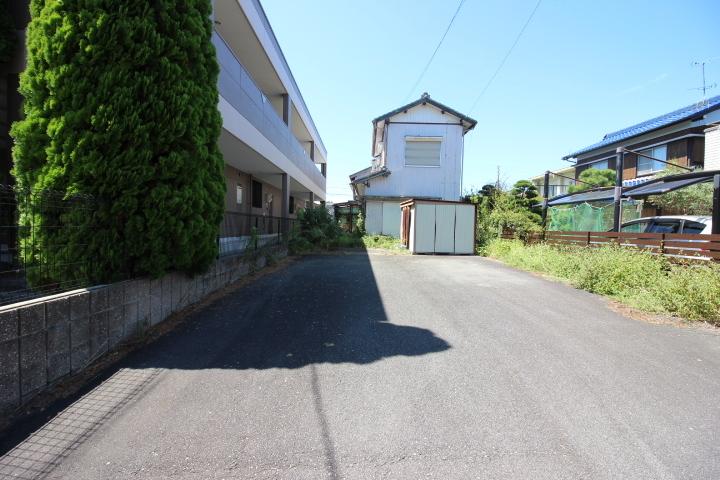 名鉄常滑線 蒲池駅まで徒歩10分 名古屋方面への通勤や通学も好アクセス。
