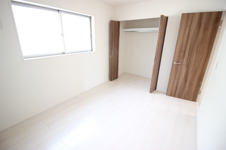 2階 6畳洋室 使い勝手の良い居室です 子供部屋にしてもいいですね