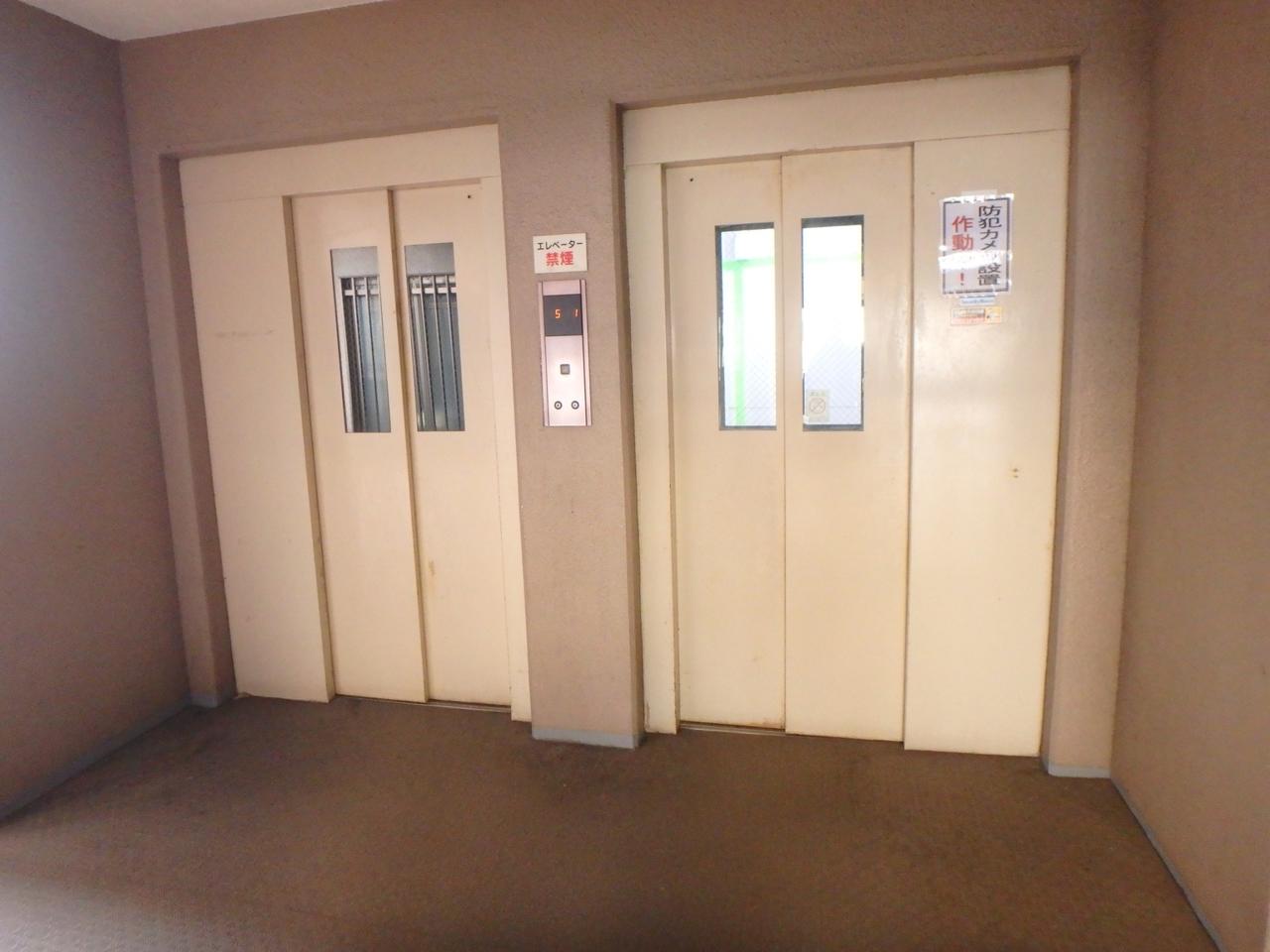 エレベーターは2基設置してあります。