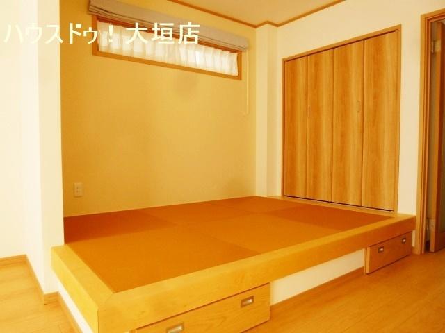 収納が備わりお子様の遊びのスペースやお昼寝のスペースに。