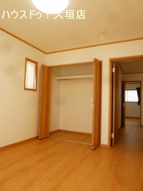 全居室収納で家族一人ひとりの収納が確保できます。