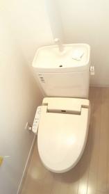 ウォシュレット付トイレ(2017年8月撮影)