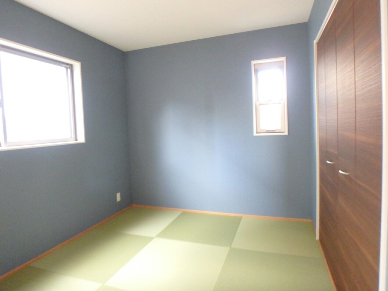 LDKとつながった多目的に使える和室スペース。 大容量の収納付きで家具を置く必要がなく、空間をのびのび使えますね♪