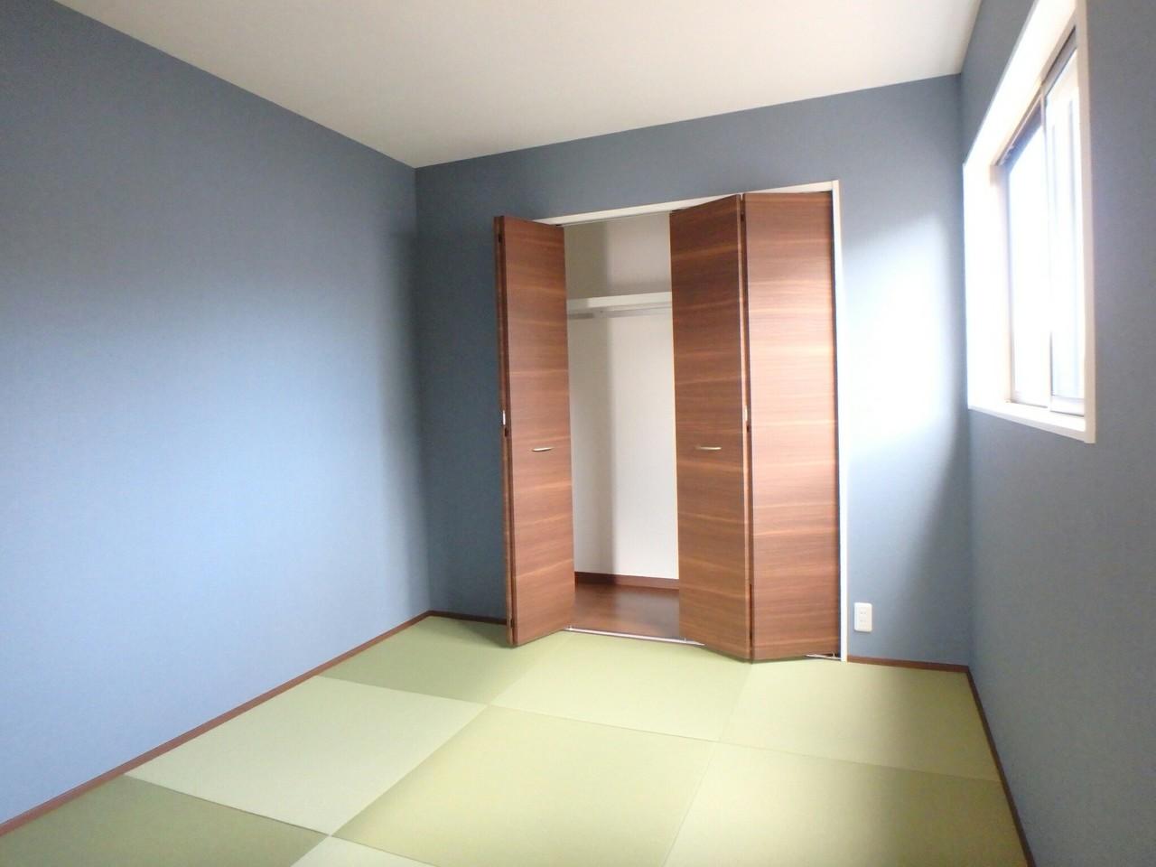 LDKとつながった多目的に使える和室スペース。 収納は広めの設計になっているので、お部屋を広々と使えそうですね♪