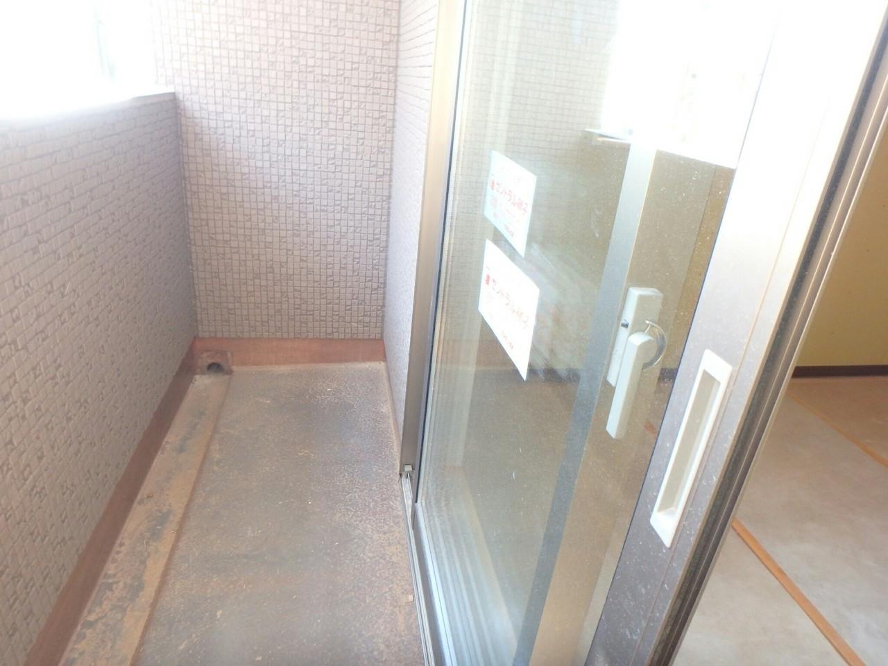 2階洋室各部屋がバルコニーに繋がっていてお洗濯ものがたくさん干せますね。