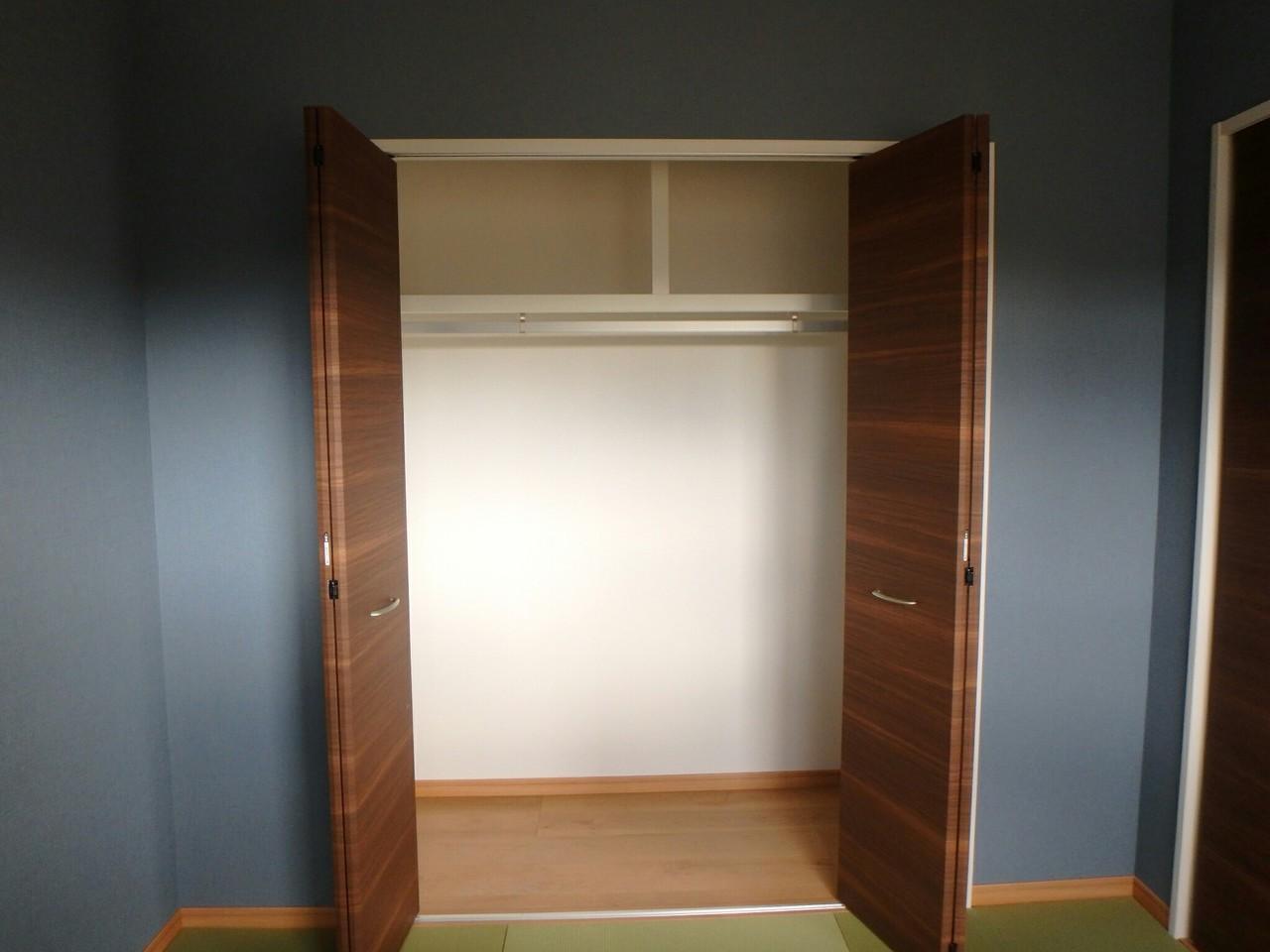 大きな収納スペースが付いているのですっきりと空間を使えます。