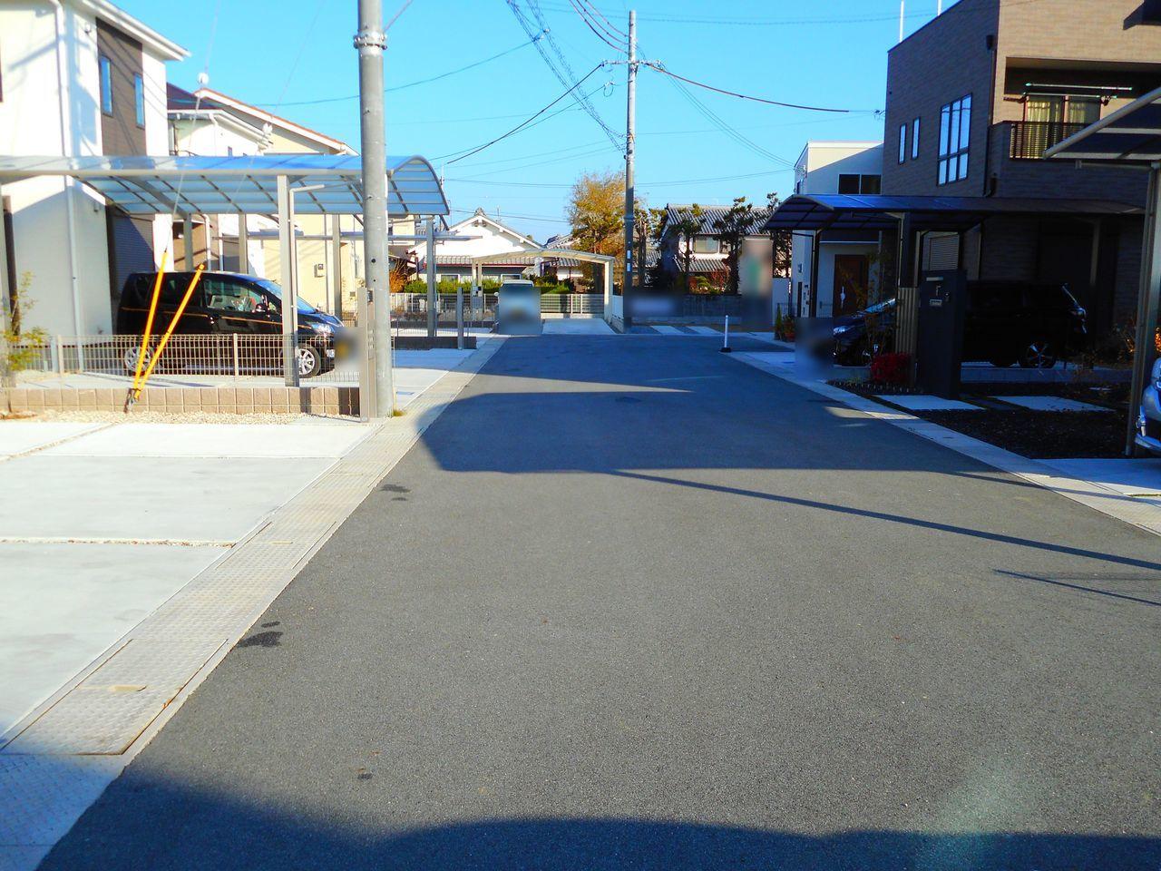 分譲地内の道路は約6mに整備されており 大型車でも出し入れ楽々♪