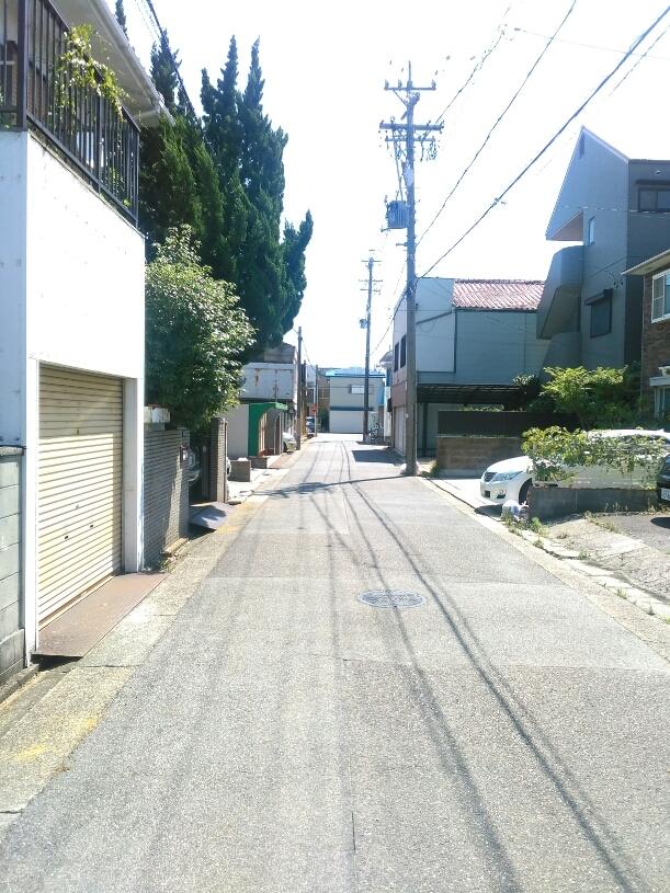 【外観写真】 前面道路