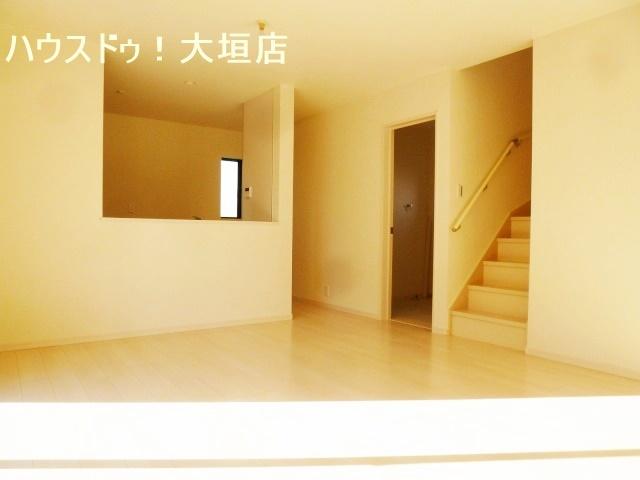 リビングイン階段や水まわりがリビングと繋がり、家族のコミュニケーションが自然に取れる間取りです。