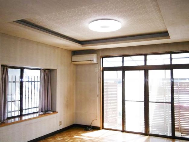 小倉南区東貫3丁目♪5LDK広々間取り♪陽当たり良好な角地です。明るい室内空間♪