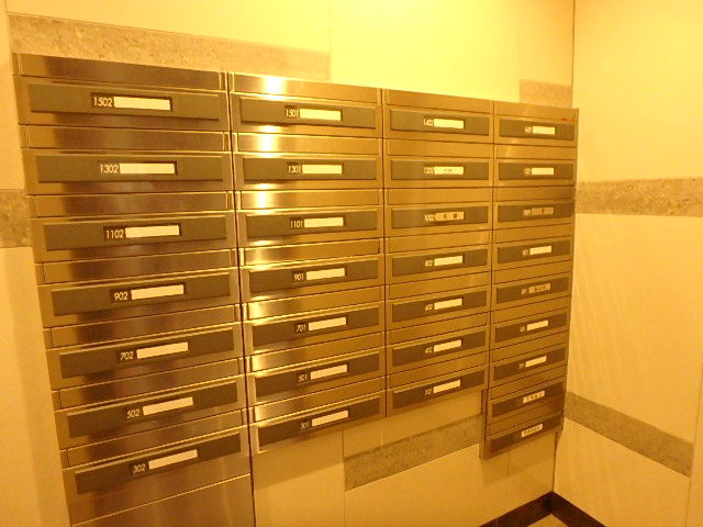 郵便受けも鍵付きです。