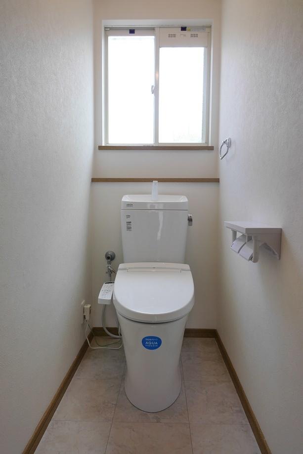 2階にある6帖の洋間、狭すぎず広すぎず使いやすいですね