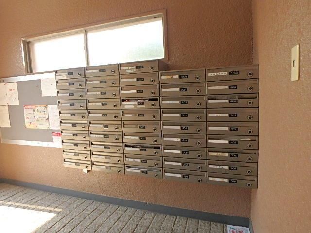 郵便受け 鍵付きで安心です。