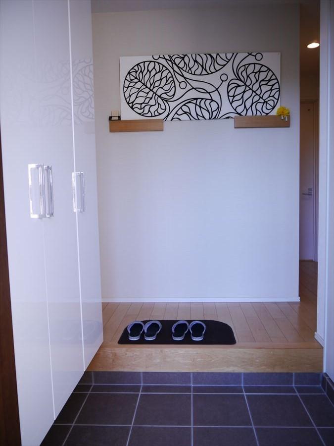 大きな玄関収納とクローゼットが付いています!家の顔とも言われる玄関はいつでも片付いてスッキリしますね◎